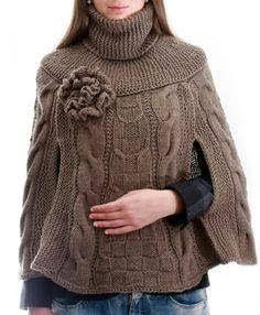 Knitted Cape, Crochet Poncho, Knitting Designs, Knitting Patterns, Farm Clothes, Knitting Dolls Clothes, Crochet Handbags, Cowl Scarf, Knitwear