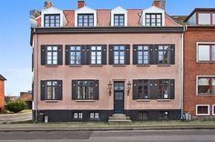 Bjerregade 28, st., 8700 Horsens - Skøn, centralt beliggende musikerlejlighed i charmerende ejendom #Horsens #ejerlejlighed #boligsalg #selvsalg