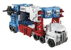 Combiner Wars Leader Class Ultra Magnus. How could you not love this?