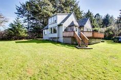 Oceanview, pet-friendly home with hot tub, sleeps 10!