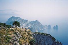 Capri, Italy / photo by itsabitblurry