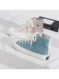 Converse All Star, Mode Converse, Sneakers Mode, Sneakers Fashion, Fashion Shoes, Black Converse Outfits, Pink High Top Converse, Converse Shoes High Top, Colored Converse