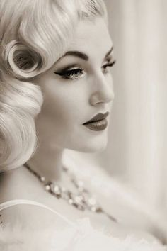 Pretty pinup hair and makeup:: rockabilly style:: vintage makeup