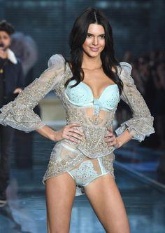 ABSOmarilyn: KENDALL JENNER VICTORIA'S SECRET FASHION SHOW 2015: 'Kardashian' Star's First VS Runway