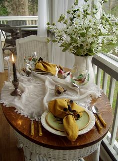 Dining for Two! Welcome to the 32nd Tablescape Thursday!