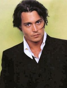 Johnny_depp Photo: This Photo was uploaded by aarontrent. Find other Johnny_depp pictures and photos or upload your own with Photobucket free image and . Marlon Brando, Tim Burton, Johnny Depp Joven, Johnny Depp Hairstyle, John Deep, Here's Johnny, Johnny Pops, The Lone Ranger, Hommes Sexy