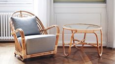 AJ-45-SU Charlottenborg table in rattan with chair
