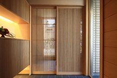 竹格子戸 竹建具枠 きれいだ Japan Interior, Japanese Interior Design, Interior Design Kitchen, Interior And Exterior, Interior Decorating, Japanese Sliding Doors, Japanese Door, Style At Home, Home Room Design