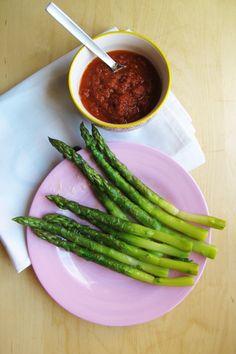 Aspargus with tomato
