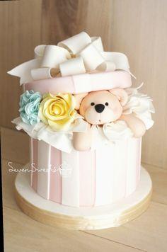 Bear in Gift Box Fondant Cake Gift Box Cakes, Gift Cake, Floral Wedding Cakes, Floral Cake, Baby Girl Christening Cake, Cake Designs For Girl, Teddy Bear Cakes, Fantasy Cake, Baby Birthday Cakes