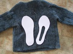 DIY: Make slippers from an old sweater  ♥  the directions on how to get a good fit are included on an included link
