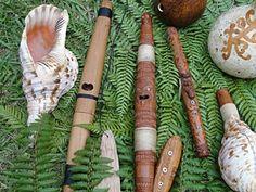 Taonga puoro Waitangi Day, Maori Art, Art Carved, Hobbies And Crafts, Musical Instruments, Hue, Concept Art, Musicals, Carving