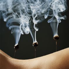 Acupuncture Moxibustion is a Traditional Chinese Medicine Therapy. Combustion of Mugwort. Moxas are made from dried mugwort. It can be applied indireclty on Acupuncture needles or directly on the skin. Natural Medicine, Herbal Medicine, Holistic Medicine, Eastern Medicine, Ivf Treatment, Acupuncture Points, Traditional Chinese Medicine, China, Acupressure