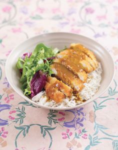 Is there anything better than a good chicken katsu curry? With this quick and easy recipe you'll be able to create the perfect Japanese dish in no time at all from the comfort of your own kitchen. It makes the perfect mid-week meal, so pop it on the menu and give it a try tonight!