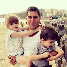 Hello Wednesday! Next in our morning charity series a picture shared by @sebdivo in Dec 2014 with Isla and Jude Donnell. This brother and sister suffer from a degenerative fatal disease called Sanfilippo syndrome or MPSIII for which there is no cure. Sébastien became international ambassador that same year for the Sanfilippo Children's Foundation @sfcfoundtn to help them and other SF kids in their fight. Let's keep supporting them! @elaynalisa x #charity #sanfilipposyndrome…