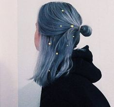 35 shades of blue hair give you the color inspiration great blue . - 35 shades of blue hair give you the color inspiration awesome blue hairstyle - Hair Dye Colors, Cool Hair Color, Pelo Multicolor, Color Fantasia, Aesthetic Hair, Aesthetic Makeup, Aesthetic Vintage, Dye My Hair, Dyed Hair Blue