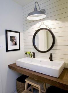 Small Bathroom Design Ideas Recommended For You. Believe or not, small bathroom design ideas can look spacious and practical if you decorate it right. Modern Farmhouse Bathroom, Modern Farmhouse Style, Urban Farmhouse, Modern Country, Modern Rustic, Rustic Farmhouse, Farmhouse Contemporary, Farmhouse Lighting, Modern Cottage