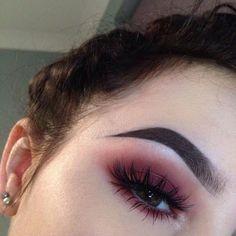 7 Ways to Wear Colored Eyeliner That Actually Look Cute makeup augen hochzeit ideas tips makeup Makeup Goals, Makeup Inspo, Makeup Inspiration, Makeup Tips, Makeup Trends, Makeup Ideas, Beauty Trends, Makeup Style, Makeup Geek