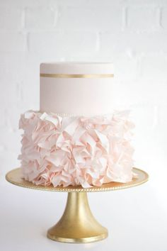 wedding cake idea; photo: Erica O'Brien Cake Design | blush and nude wedding colour palette | blush and gold wedding