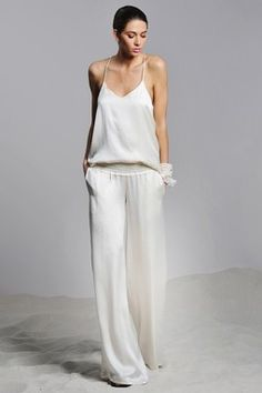 Want California casual chic style in your life? HauteLook has you covered. White Fashion, Look Fashion, Womens Fashion, Fashion Design, Fashion Tips, Looks Style, Style Me, White Wide Leg Pants, Vetement Fashion