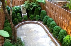 Small Patio Ideas Townhouse Courtyards Side Yards 21 New Ideas Outdoor Patio Pavers, Diy Concrete Patio, Small Backyard Patio, Diy Patio, Backyard Landscaping, Townhouse Landscaping, Small Patio Ideas Townhouse, Townhouse Garden, New Patio Ideas