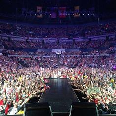 .@Darian(: | Day #64 of the RED tour : Nashville ! | Webstagram - the best Instagram viewer