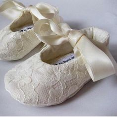 SHOE SIZING 0 1 2 3 4 5 6 Adding a bit of luxury is just what your little gal will be doing when she wears our Lacey ivory baby shoes. Toddler Girl Shoes, Girls Shoes, White Baby Shoes, Baby Shoes Tutorial, Christening Shoes, Cream Shoes, Shoe Art, Baby Booties, Diy For Kids