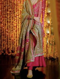 Pakistani Fancy Dresses, Desi Wedding Dresses, Indian Fashion Dresses, Pakistani Bridal Dresses, Pakistani Dress Design, Indian Designer Outfits, Party Wear Dresses, Pakistani Outfits, Designer Dresses