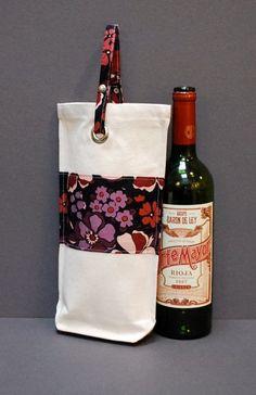 Wine Tote Wine Bottle Bag Case Carrier Holder - SINGLE BARREL - Amethyst. $25.00, via Etsy. Precisávamos de uma dessa!