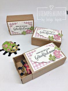 Glückskäfer (Stempelkunst-by-Helga) - Müller Elwira - HotelsPedi Matchbox Crafts, Matchbox Art, Handmade Crafts, Diy And Crafts, Paper Crafts, Handmade Birthday Cards, Birthday Gifts, Diy Gifts, Best Gifts