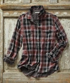 Effortlessly Cool Men's and Women's Clothes, Shirts, Jackets, Sweaters, Gifts & Accessories Plaid Fashion, Fashion Outfits, Mens Fashion, Mens Flannel, Useful Life Hacks, Check Shirt, Cool Shirts, Menswear, Clothes For Women