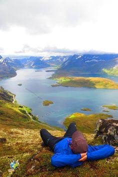 Vous partez bientôt visiter la Norvege? Ne ratez pour rien au monde cet itinéraire pour les iles lofoten, un endroit magique et unique au monde! Road Trip Europe, My Road Trip, Lofoten, Destinations, Trip Planning, Norway, Places To Visit, Tours, Vacation