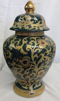 Beautiful Green and Gold Tapestry Colored Motif Porcelain Temple Jar Green And Gold, Black And White, Ginger Jars, Jar Lids, Asian Style, Urn, Cobalt Blue, Porcelain, Tapestry