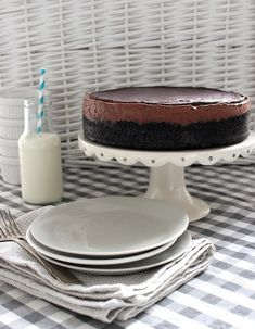 Wicked sweet kitchen: Taivaallinen suklaamoussejuustokakku oreopohjalla Wicked, Cheesecake, Yummy Food, Baking, Sweet, Kitchen, Ideas, Candy, Cooking