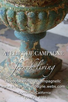 Atelier de Campagne wonderful site for garden french brocante and antiques Garden Urns, Garden Items, Tuscan Garden, Wabi Sabi, Shabby Chic, Peeling Paint, French Country Style, European Style, Architectural Salvage