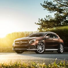 Our #SundayScenario is the GLA45 AMG using all 355-hp as we traverse the back…