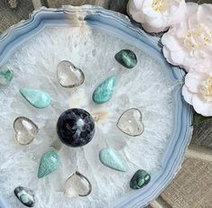 Ward off the chaos and confusion of Mercury Retrograde with this soothing crystal grid, designed. Crystal Shop, Crystal Gifts, Crystal Grid, Diy Crystals, Crystals And Gemstones, What Is Mercury, Root Chakra Stones, Raw Emerald, Mercury Retrograde