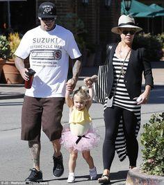 Pink, Carey & their daughter Willow