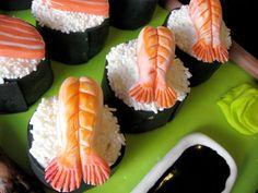 Sushi mini cakes for a birthday and a surprise groom's cake Sushi Cupcakes, Sushi Cake, Fondant Cakes, Cupcake Cakes, Artisan Cake Company, Shrimp Cakes, Mini Cakes, Cake Cookies, Goodies
