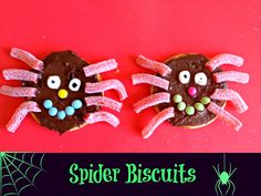Spider Biscuits - 20 Sweet and Easy Treats for Halloween Party Halloween Treats For Kids, Holidays Halloween, Halloween Crafts, Halloween Party, Easy Halloween, Incy Wincy Spider Activities, Creepy Food, Cupcake Images, Party Treats