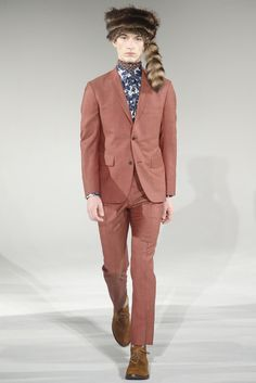 David Hart presented his Fall/Winter 2015 collection during New York Fashion Week.