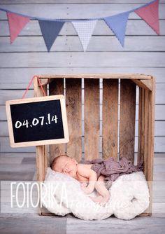 Baby in der Kiste, Babyfotografie, Neugeborenenfotografie, Fotostudio, Newborn