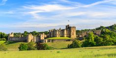 From a medieval castle in a walled city in Wales to a château on the shores of Switzerland's Lake Geneva, these are some of the world's most beautiful castles. Alnwick Castle, Arundel Castle, Leeds Castle, Windsor Castle, Warkworth Castle, Bodiam Castle, Hogwarts, Cities In Wales, Lancaster Castle