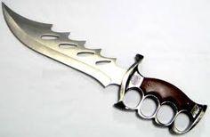 Resultado de imagem para facas de combate com soco ingles