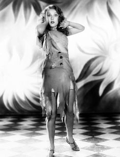 Fay Wray by Ernest A. Bachrach for King Kong directed by Merian C. King Kong 1933, Godzilla, Skull Island, Erich Von Stroheim, Fay Wray, Merian, Scream Queens, Vintage Hollywood, Classic Hollywood