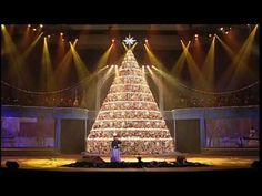 What Child Is This? - 2012 Bellevue Singing Christmas Tree