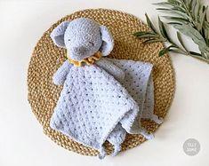 Crochet Elephant Pattern, Crochet Flower Patterns, Crochet Blanket Patterns, Crochet Lovey, Baby Blanket Crochet, Amigurumi Doll, Security Blanket, Crochet Projects, Tassel