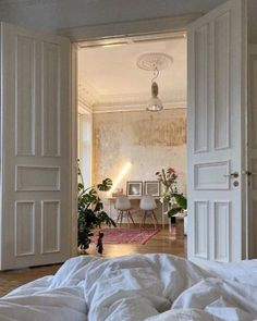Dream Home Design, My Dream Home, Home Interior Design, My New Room, My Room, Dream Apartment, Parisian Apartment, Aesthetic Bedroom, City Aesthetic