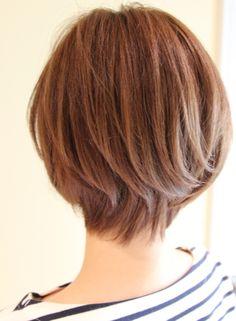 後頭部を綺麗に見せるショートスタイル(髪型ショートヘア)