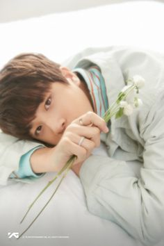 So Junghwan ✧ Korean Boy Bands, South Korean Boy Band, Yg Entertainment, Yg Trainee, Im Going Crazy, Treasure Boxes, Flower Images, Beautiful Boys, Photo Cards